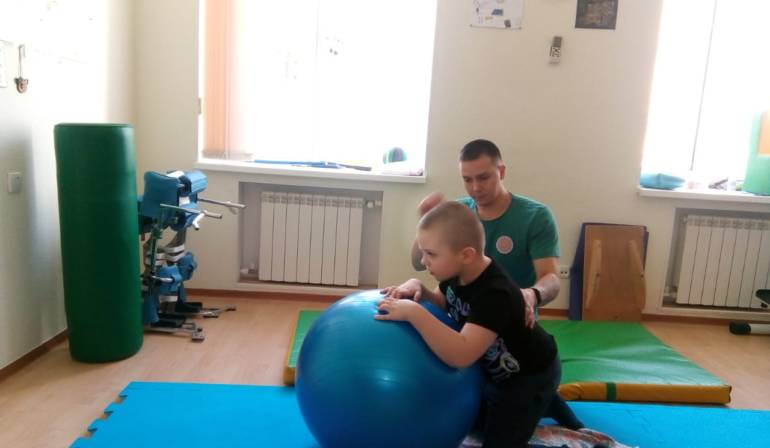 Помощь оказана Пищик Семён, 7 лет. Диагноз: ДЦП